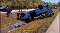 Quatro feridos em acidente com van na BR-262 recebem alta em Pará de Minas