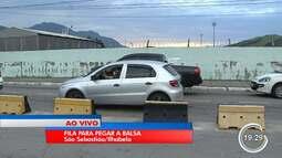 Veja o movimento na balsa entre São Sebastião e Ilhabela