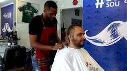 Barba, cabelo e Doriva: volante do São Bento se divide entre o futebol e a barbearia