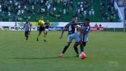 Goiás vence o Goiânia em clássico com arbitragem polêmica
