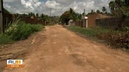 Moradores de Ipioca reclamam de terreno sujo que deveria ser área verde