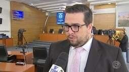 Crespo nega irregularidades no governo e fala em quebra de confiança pelo ex-secretário
