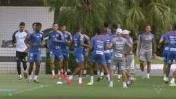 Zagueiro Felipe Aguilar espera ser convocado pela seleção colombiana