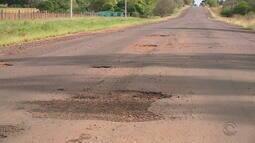 Buracos encontrados na BR-472, na Fronteira Oeste do RS, causa prejuízos aos motoristas