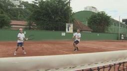 Escola de tênis do Clube dos Ingleses acumula conquistas com nova geração