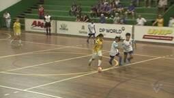 Oito jogos movimentaram o Ginásio Rebouças pela 17ª Copa TV Tribuna de Futsal Escolar