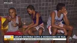'O Bem Inspira': grupo faz doação de sopa a moradores de rua em Salvador