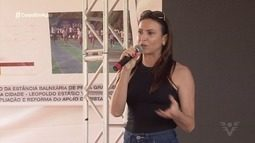 Medalhista olímpica Maurren Magi visita escola em Praia Grande, SP