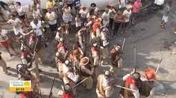 Moradores de Lauro de Freitas fazem desfile junino com homenagem ao cangaço