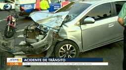 Quatro pessoas ficam feridas após acidente entre ônibus e carro em cruzamento de Manaus