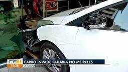 Carro invade padaria no Meireles