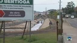 Obra no córrego Bertioga altera trânsito em Várzea Paulista