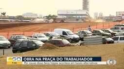 Funcionários seguem com obras na Praça do Trabalhador, em Goiânia