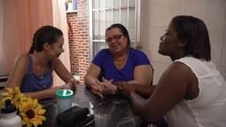 Técnica em enfermagem Aline Silva cuida gratuitamente dos vizinhos no Saboeiro
