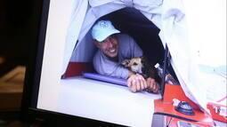 Viagem de velejador e seu cão inspira livro sobre preservação ambiental