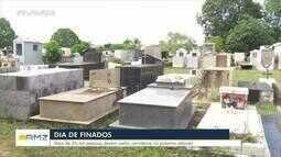 Dia de Finados: Famílias fazem limpeza de túmulos de parentes em Ariquemes