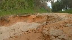 Motoristas reclamam de más condições da Estrada do Ipatinga