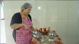 Empresária ensina como fazer doce de marmelada, em Luziânia