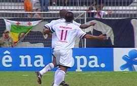Em 2005, Vasco derrota o Flamengo por 2 a 1 pelo Campeonato Brasileiro