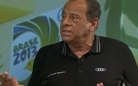 Carlos Alberto Torres sobre Felipo:&#x27;Chega de observar,  hora de formar um time&#x27;