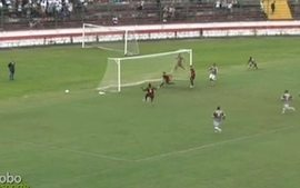 Gol do Flamengo! Fernandinho aproveita cruzamento e marca aos 10 do 1 tempo