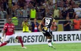 Apoiado pela torcida, Botafogo goleia Deportivo Quito com show de Wallyson