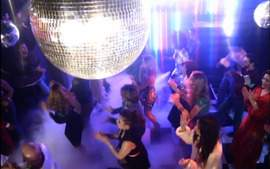 'Boogie Oogie', nova novela da Globo, traz a discoteca de volta!
