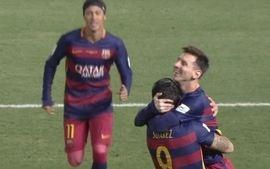 Gol do Barcelona! Busquets acha Suárez livre no ataque e uruguaio amplia, aos 4 do 2º