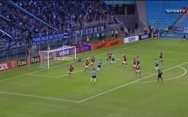 Grêmio vence o Fla na Arena e mantém invencibilidade de 22 anos