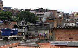 Profissão Repórter mostra os brasileiros construtores de puxadinho