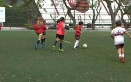 Após sucesso de público na Olimpíada, futebol feminino tenta se estabelecer no Brasil