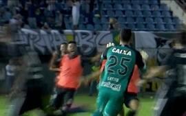 Gatito pega três pênaltis e garante Botafogo na fase de grupos da Libertadores