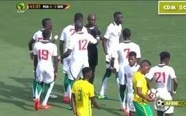 Árbitro ganês é banido pela Fifa após erro bizarro em jogo pelas eliminatórias da África