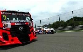 Stock Car x Truck: duas pilotos protagonizam desafio entre carro e caminhão na mesma pista