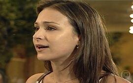 Eduarda se desespera ao se separar de Marcelinho