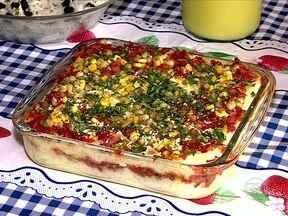 Torta de macaxeira com carne de sol e queijo coalho