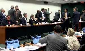 Comissão aprova projeto que autoriza governo a descumprir meta fiscal