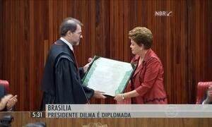 Dilma e Michel Temer recebem diploma para tomar posse em janeiro