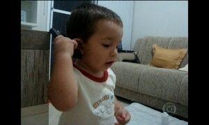 Vídeos mostram bebês falando as primeiras palavras