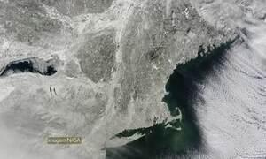 Nasa divulga imagem de satélite com a costa dos EUA coberta de neve