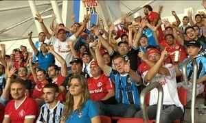 Torcedores do Inter e Grêmio  dividem setor no Beira-Rio