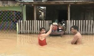 Cheia histórica do Rio Acre já atinge 86 mil pessoas