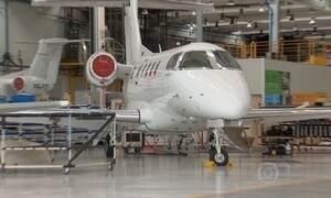 Empresas exportadoras de avião são beneficiadas pela alta do dólar