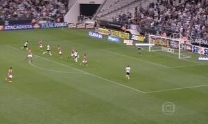 Corinthians vence Portuguesa e garante vaga nas quartas de final do Paulistão