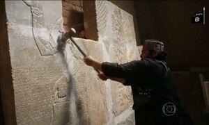 Estado Islâmico exibe a destruição de obras da antiguidade no Iraque