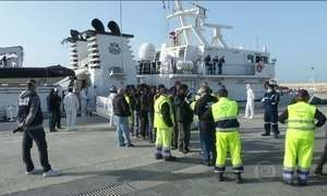 Guarda Costeira italiana resgata mais seis barcos de imigrantes