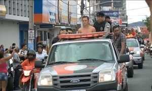 Comando da PM da Paraíba nega que policiais tenham feito desfile com presos