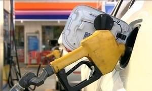 Motoristas deixam de usar o carro e consumo de combustível cai no país