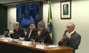 Deputados da CPI da Petrobras ouvem ex-funcionários da estatal