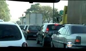 Volta às aulas complica trânsito de cidades